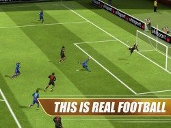 Real Football 2013 actie iPad