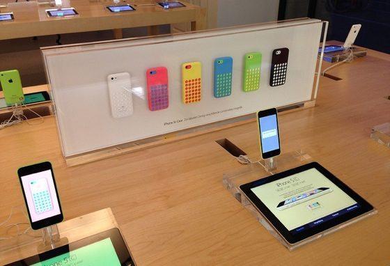 iPhone 5c in Apple Store Amsterdam